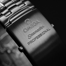 OM21212S Omega Seamaster Professional Co Axial Close4