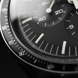 OM21219S_Omega_Speedmaster_Professional_Moonwatch_(Special_Presentation_Case)_Close7.JPG