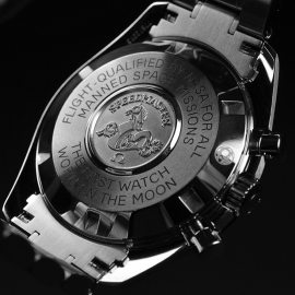 OM21219S_Omega_Speedmaster_Professional_Moonwatch_(Special_Presentation_Case)_Close9.JPG