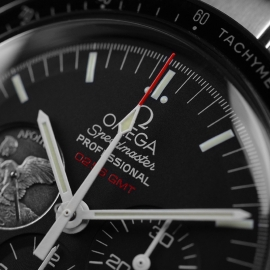 OM21297S_Omega_Speedmaster_Professional_Moonwatch_Apollo_11_40th_Anniversary_Limited_Edition_Close5_1.JPG