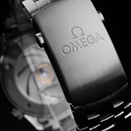 OM21517S Omega Seamaster Professional James Bond 007 50th Anniversary Collectors Edition Close4