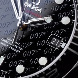 OM21517S Omega Seamaster Professional James Bond 007 50th Anniversary Collectors Edition Close7
