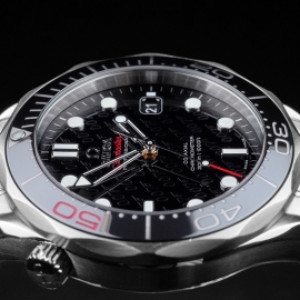 OM21517S Omega Seamaster Professional James Bond 007 50th Anniversary Collectors Edition Close8