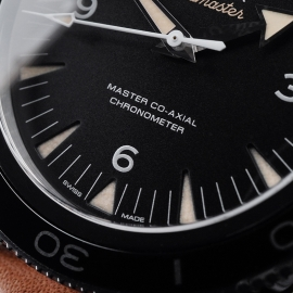 OM21657S Omega Seamaster 300 Master Co-Axial Close4