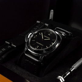 PA18149S Panerai Luminor Base Left Handed Close5