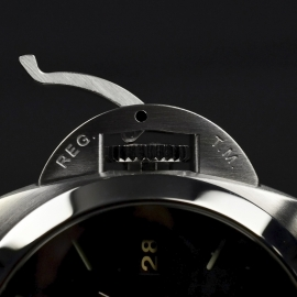 PA20205S-Panerai-Luminor-Marina-1950-3-Days-42mm-Close15