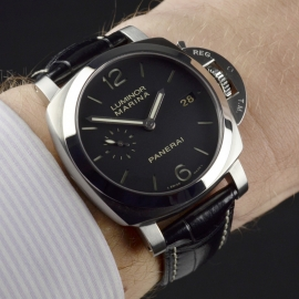 PA20205S-Panerai-Luminor-Marina-1950-3-Days-42mm-Wrist 2