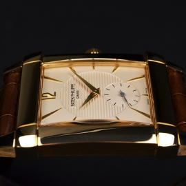 PA20906S Patek Philippe Gondolo 18ct Close8