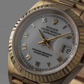 RO21030S_Rolex_Ladies_Datejust_18ct_Close1.jpg