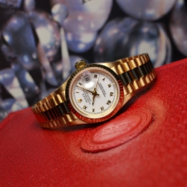 RO21030S_Rolex_Ladies_Datejust_18ct_Close10.JPG