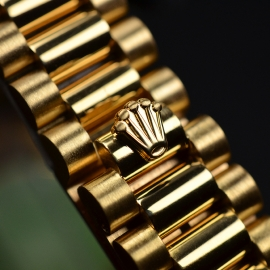 RO21030S_Rolex_Ladies_Datejust_18ct_Close3.JPG