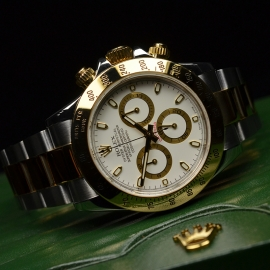 RO21069S_Rolex_Daytona_Close10.JPG