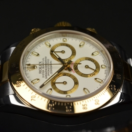 RO21069S_Rolex_Daytona_Close8.JPG