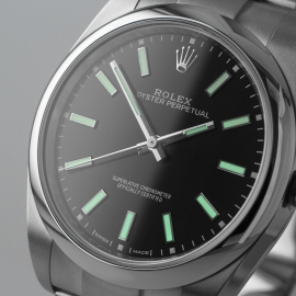 RO21080S_Rolex_Oyster_Perpetual_Close1.jpg