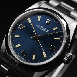RO21130S_Rolex_Oyster_Midsize_Perpetual_Close2.JPG