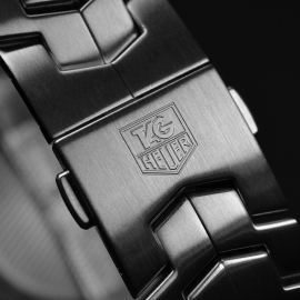 TA19959S_Tag_Heuer_Link_Calibre_16_Chrono_Close4.JPG