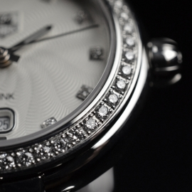 TA20530S_Tag_Heuer_Ladies_Link_Close7.JPG