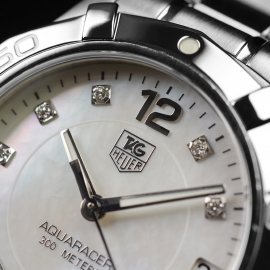 TA21191S_Tag_Heuer_Ladies_Aquaracer_Close5.JPG