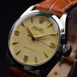 RO692F_Vintage_Rolex_Oyster_Royal__Close1.JPG