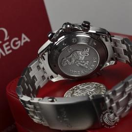 OM20233S-Omega-Seamaster-Professional-Chronograph-Co-Axial-Close2