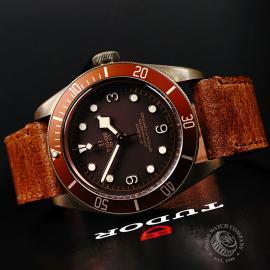 TU22225S Tudor Heritage Black Bay Bronze Close10