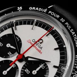 OM22300SOmega Speedmaster CK2998 'Pulsometer' Close3