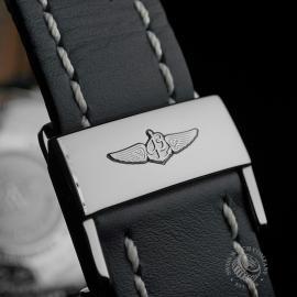 BR22662S Breitling Navitimer World Chrono GMT Close9