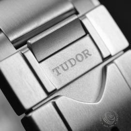TU19056S Tudor Pelagos LHD Close4
