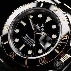 RO22288S Rolex Submariner Date Close2