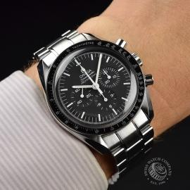 OM21219S Omega Speedmaster Professional Moonwatch (Special Presentation Case) Wrist 1