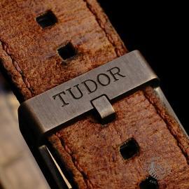 TU22225S Tudor Heritage Black Bay Bronze Close8 1
