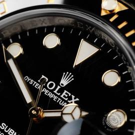 RO22266S Rolex Submariner Date Close 3