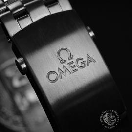 OM20964S_Omega_Seamaster_Professional_Co_Axial_300m_Close4_1.JPG