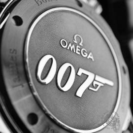 OM20431S_Omega_Seamaster_Professional_James_Bond_007_Collectors_Piece_Close15.JPG