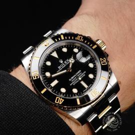 RO21921S Rolex Submariner Date Wrist