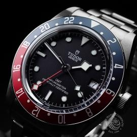 TU21630S Tudor Black Bay GMT Pepsi Bezel Close2