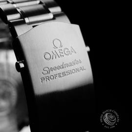 OM21521S Omega Speedmaster Professional Moonwatch Close8
