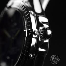 BR20852S_Breitling_Windrider_Close3.JPG
