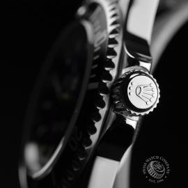 RO21005S_Rolex_Submariner_Close3.JPG