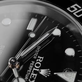 RO22672S Rolex Submariner Date Close5