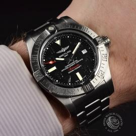 21240S Breitling Avenger Seawolf II Wrist