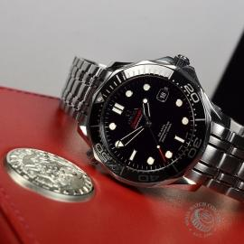 OM20623S_Omega_Seamaster_Professional_Co_Axial_300m_Close10.JPG
