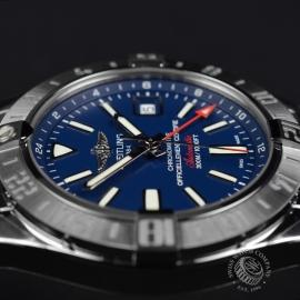 BR19147S_Breitling_Avenger_II_GMT_Close8_1.JPG