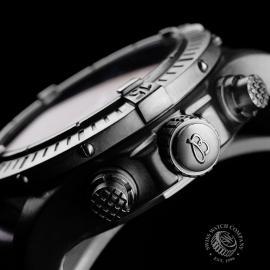 BR21756S Breitling Chrono Avenger Close7