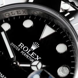 RO22466S Rolex Submariner Date Close 3