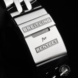 BR20325S_Breitling_Bentley_Close13.jpg