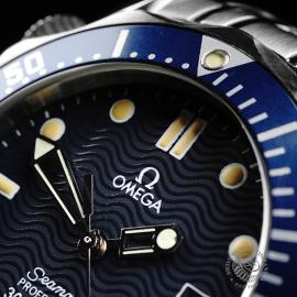 OM22003S Omega Seamaster 300M Midsize Close3 1