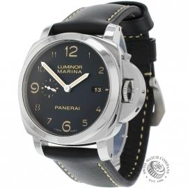 PA19752-Panerai-Luminor-Wrist_1.jpg