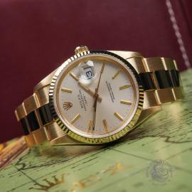 RO22533S Rolex Date 18ct Gold Close3