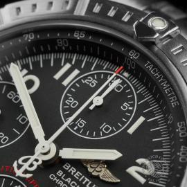 BR22647S Breitling Chronomat Blackbird Close3